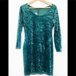 Vintage Crushed Velvet Emerald Scoop Neck Dress. S